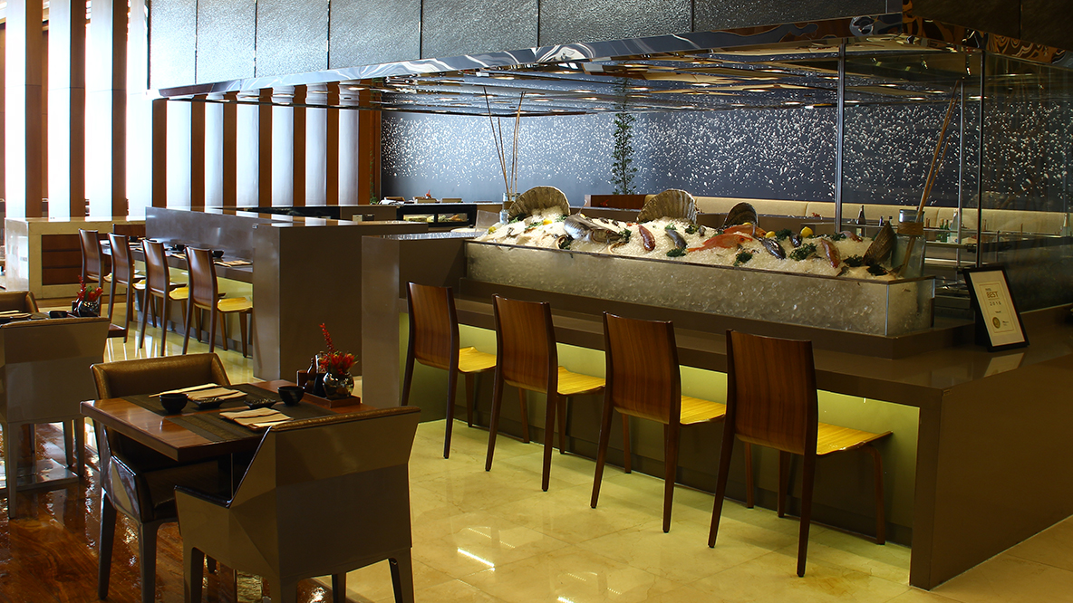 841538be6bb871 For the ones who are always on the lookout for a new dining experience,  Solaire offers 14 dining options ranging from fine dining restaurants,  casual dining ...
