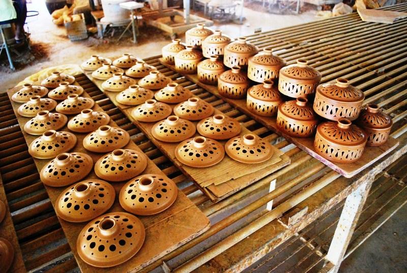 Philippine Ceramic Arts And Crafts Center Philippine Primer
