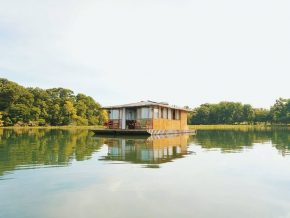 Aquascape Lake Caliraya Floating Cottage in Laguna