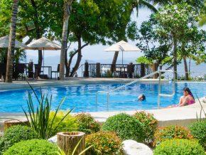 Camayan Beach Resort: Splashing Good Fun at Subic Bay