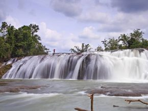 Lulugayan Falls in Samar: The Mini Niagara of Visayas