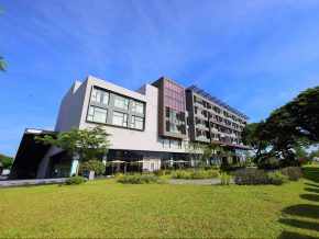 Midori Clark Hotel and Casino: A Sophisticated Oasis in The Urban Living of Pampanga