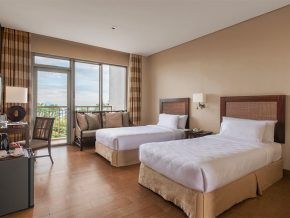 Summit Ridge Tagaytay Offers a Luxurious Stay on Top of the Hill