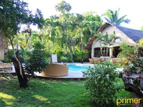 Hibiscus Garden Inn in Puerto Princesa: A Humble Hotel Canopied by the Greenery