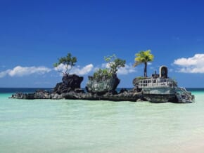 Boracay Island to keep RT-PCR test for vaccinated tourists