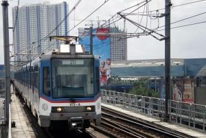 mrt-3_train_north_avenue_1